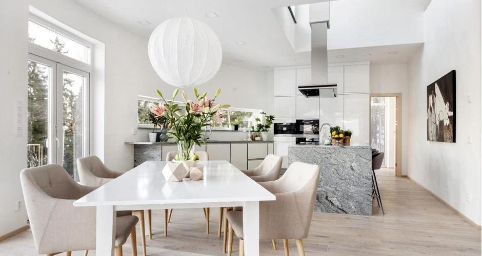 lägenhet med öppet kök med köksö