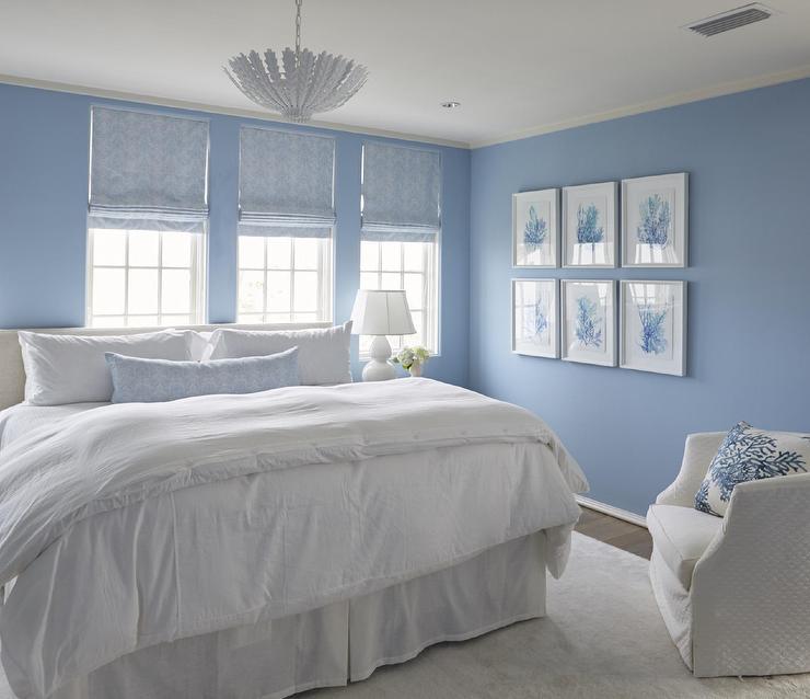 Ljust kornblå väggar i sovrum