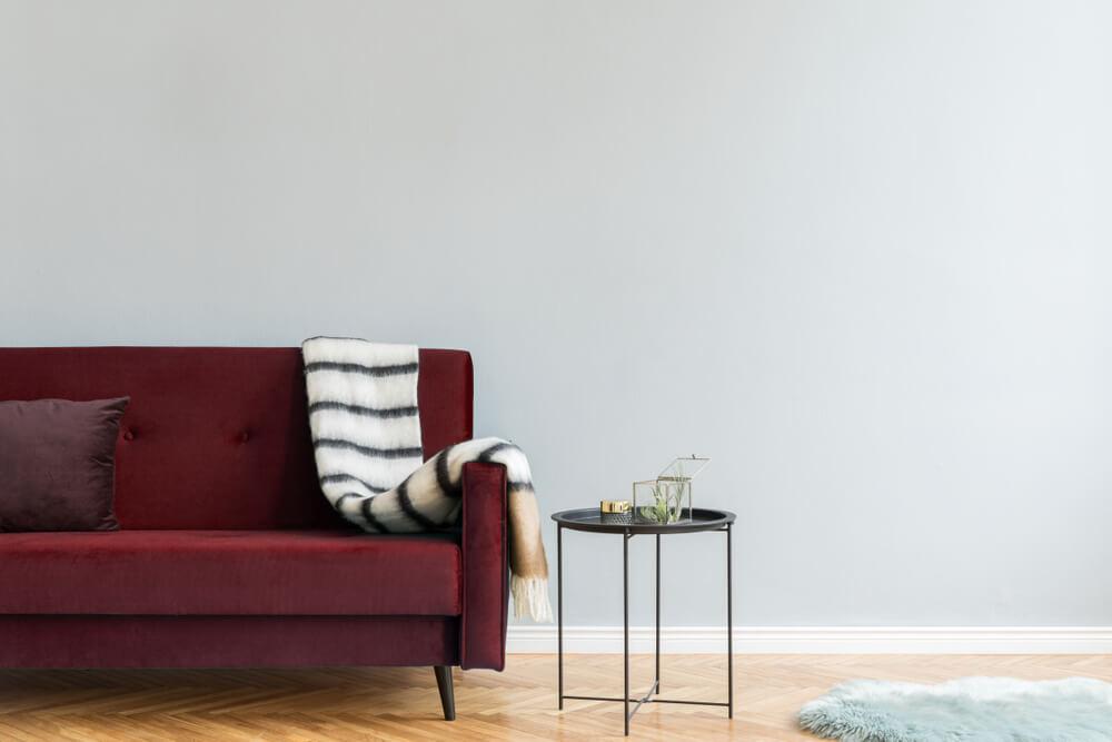 inredning- soffa och soffbord